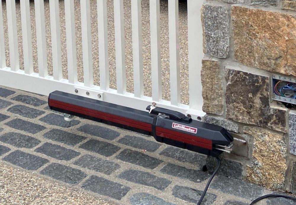 Name:  20. Linear actuator mounted.jpg